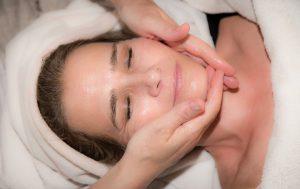domowe sposoby na ujędrnienie skóry